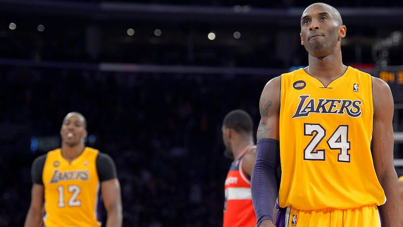 Illustration for article titled Report: Dwight Howard Wanted The Lakers To Phase Out Kobe Bryant