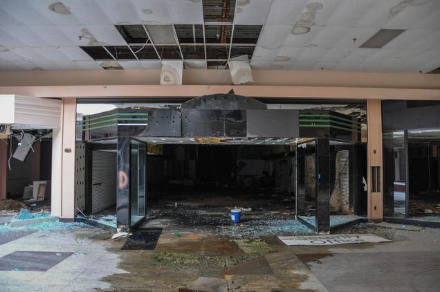 Sears Lawton Ok >> This Abandoned Wasteland Was Once America's Largest Mall
