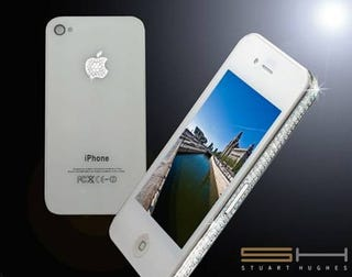 Illustration for article titled $19,500 Diamond iPhone 4 Comes With Free Ostrich Feet Case