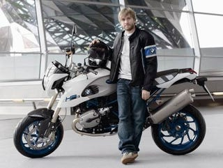Illustration for article titled BMW Motorrad Does Cross Promotion, Military Discounts