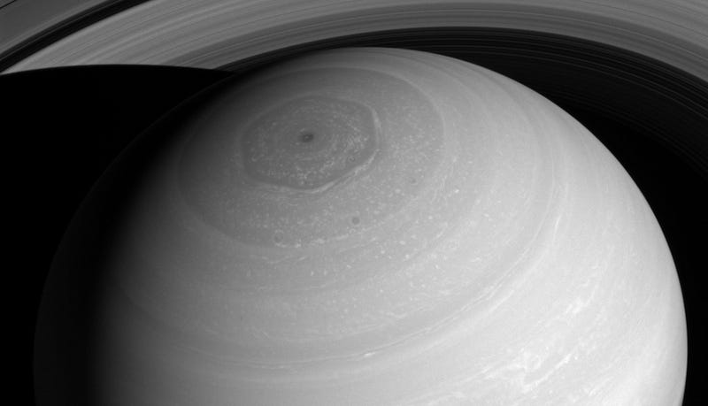 Illustration for article titled Saturn Looks Magnificent From Above