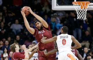 Illustration for article titled Sim Bhullar Is A Good Giant