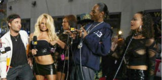 David LaChapelle, Pamela Anderson and Snoop Dogg, with guests, at 2003 MTV Video Music Awards (Mark Mainz/Getty)