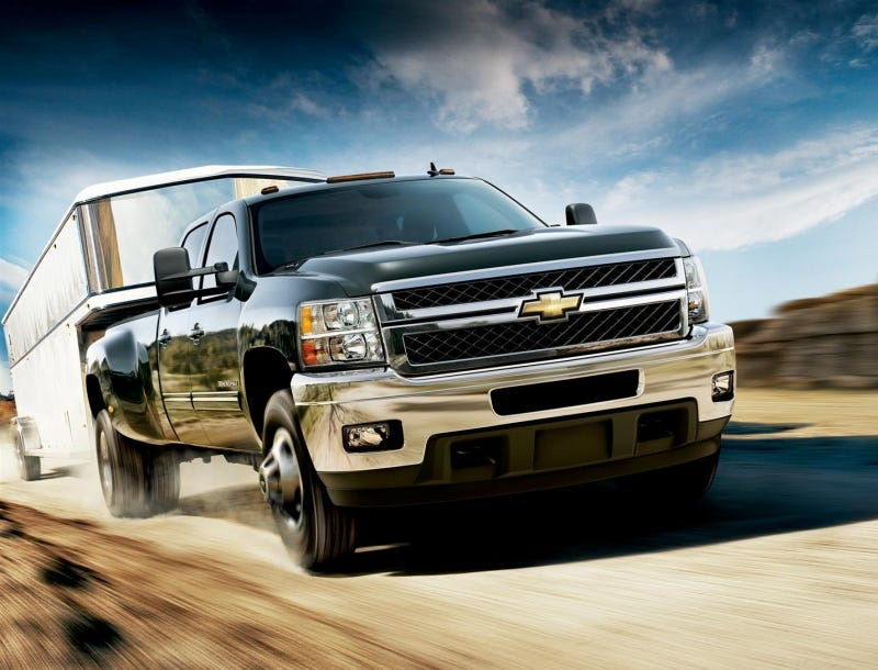Illustration for article titled 2011 Chevrolet Silverado HD: Big Bowtie Finally Out-Guns Ford's Super Duty