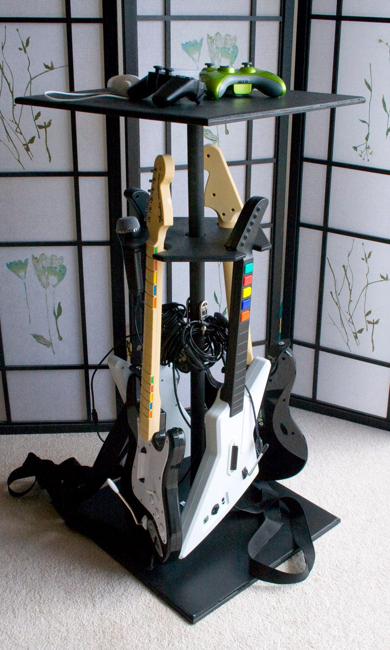 Illustration for article titled Lightning Review: Rock Band Stand Keeps Your Guitars, Controllers and Mics in Check