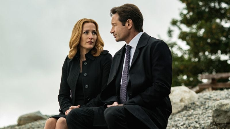 "Illustration for article titled Chris Carter says The X-Files will be back, ""almost without a doubt"""