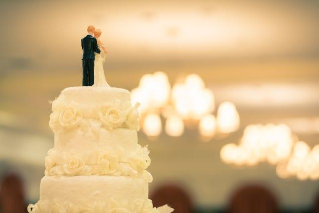 Un nuevo estudio pone en duda que la gente casada disfrute de más salud.