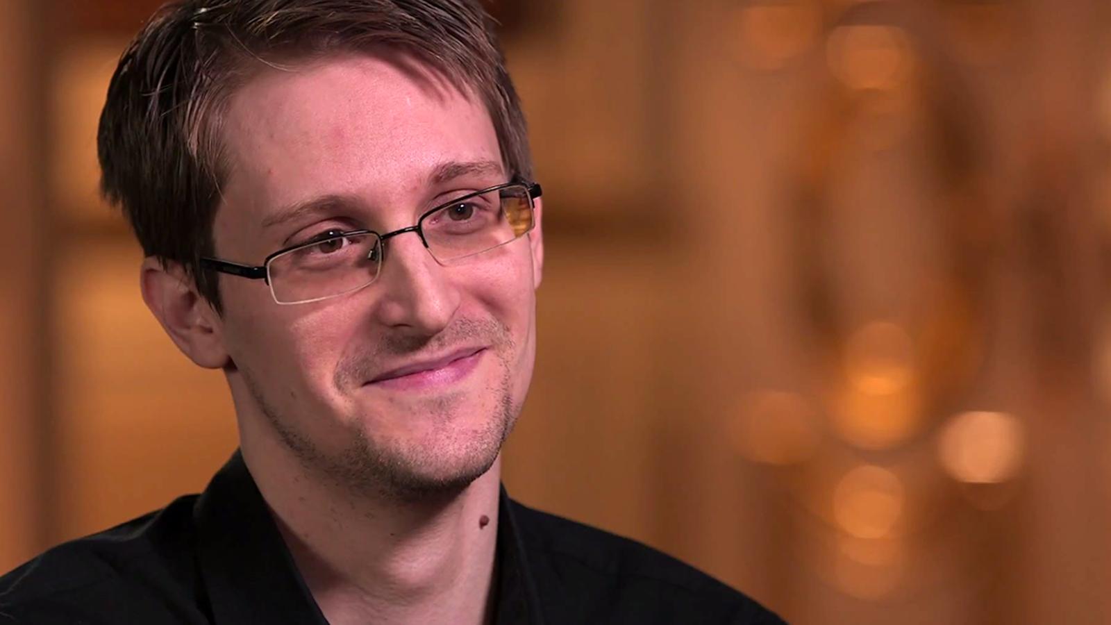 Edward Snowden explica cómo debe ser la contraseña perfecta