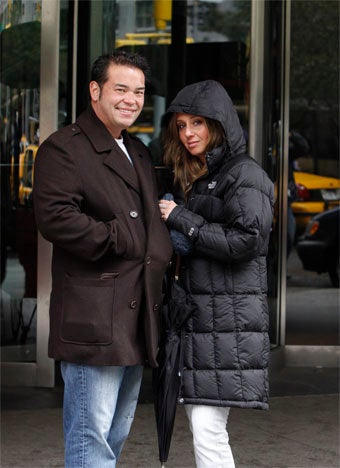 Illustration for article titled Jon Gosselin Lies To Girlfriend; Leonardo Spotted With Supermodel Ex