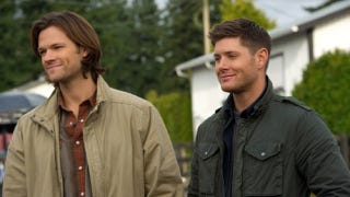 "Illustration for article titled It's the ""Sam and Dean wear glasses"" episode of Supernatural!"