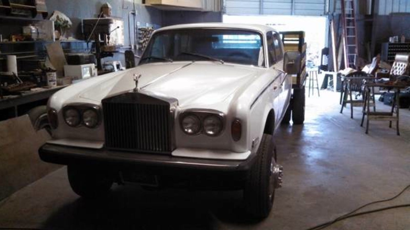Tampa Truck Center >> Rolls Royce Dually Pickup Puts Your Lifted Luxobarge To Shame