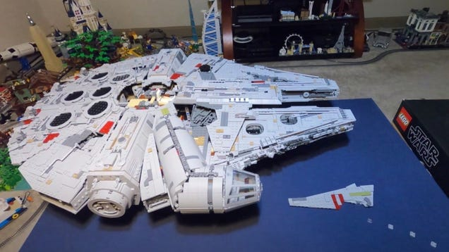 This Stop-Motion Build of the Lego Millennium Falcon Is Jaw-Dropping
