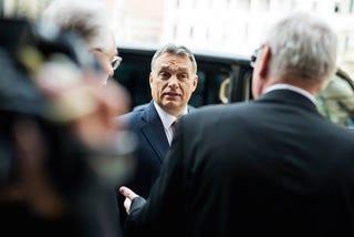 Illustration for article titled A Quaestor-ügy kinyitotta a bicskát Orbán miniszterelnök zsebében