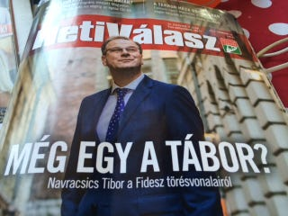 Illustration for article titled Az ufók vagy a Háttérhatalom akarják Navracsicsot miniszterelnöknek?