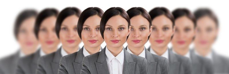 veitato creare cloni sui social network