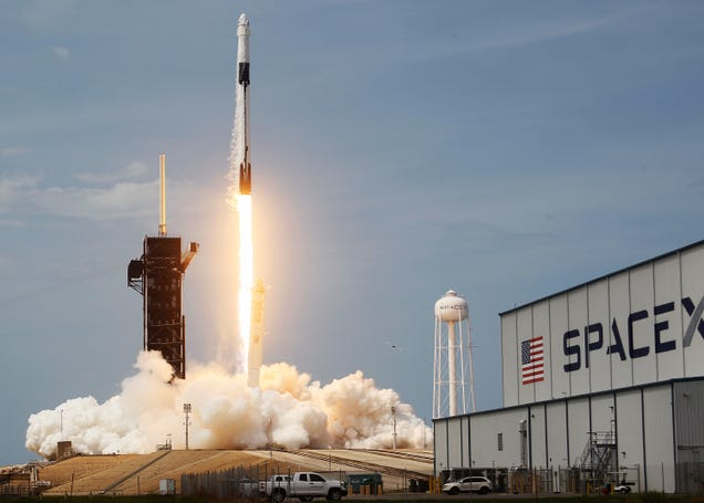 SpaceX Selected by NASA To Launch First Two Elements of the Lunar Gateway