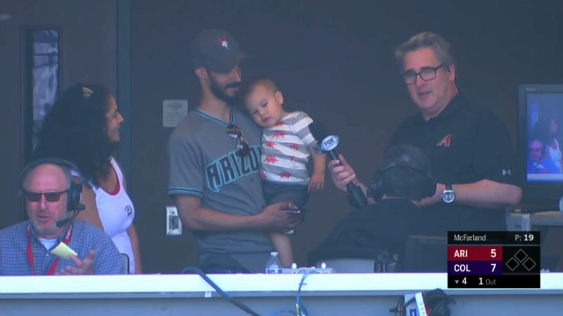 Illustration for article titled Fake Steve Berthiaume Twitter Account Leads To Random Family Crashing Diamondbacks' Booth During Game