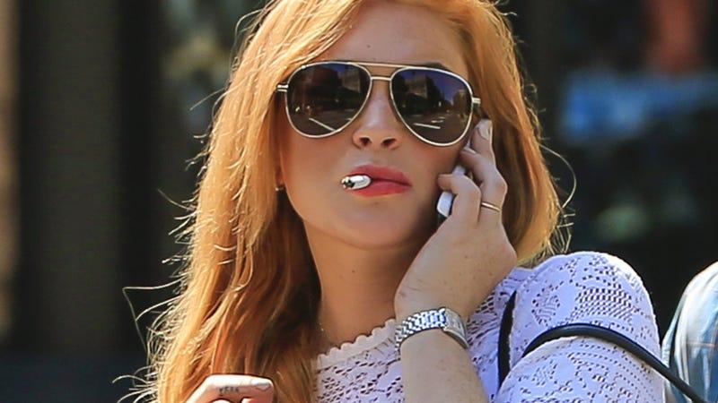 Illustration for article titled Sober Lindsay Lohan Stays Up All Night Smoking, Singing Karaoke