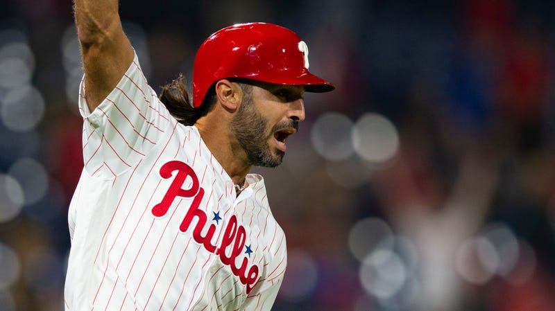 Illustration for article titled Phillies Walk-Off Hero Sean Rodriguez Booed For Criticizing Phillies Fans For Booing