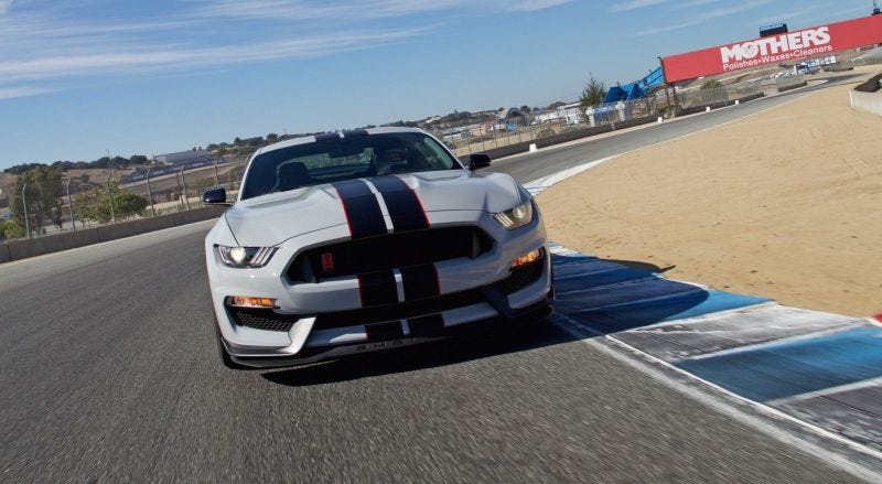 Illustration for article titled Ford Mustang Shelby GT350 To Get Dual-Clutch Automatic: Report