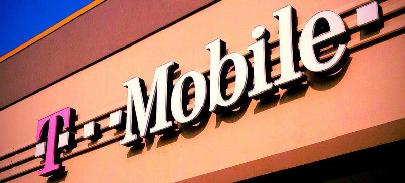 Illustration for article titled T-Mobile Gives Verizon Users 2-Week Phone Trial, $650 Contract Buy-Out