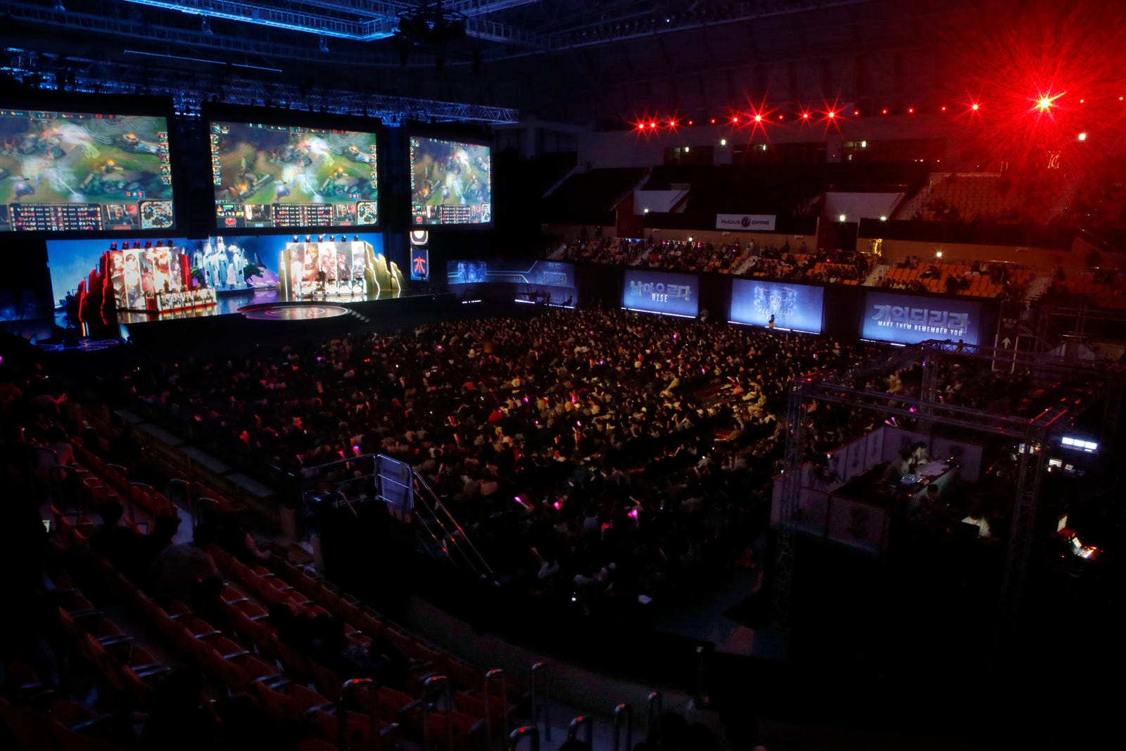 Shady Numbers And Bad Business: Inside The Esports Bubble