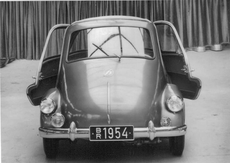 Illustration for article titled Hoffmann Auto-Kabine: The Isetta's Evil Twin