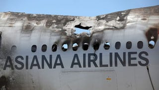 Illustration for article titled New Video Shows How Asiana 214 Crash Happened