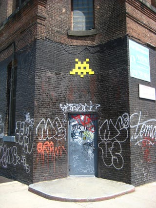 Illustration for article titled Invader Takes on Brooklyn