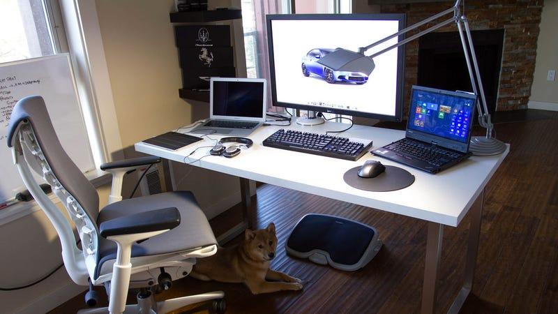 Illustration for article titled The Multi-Platform Workspace