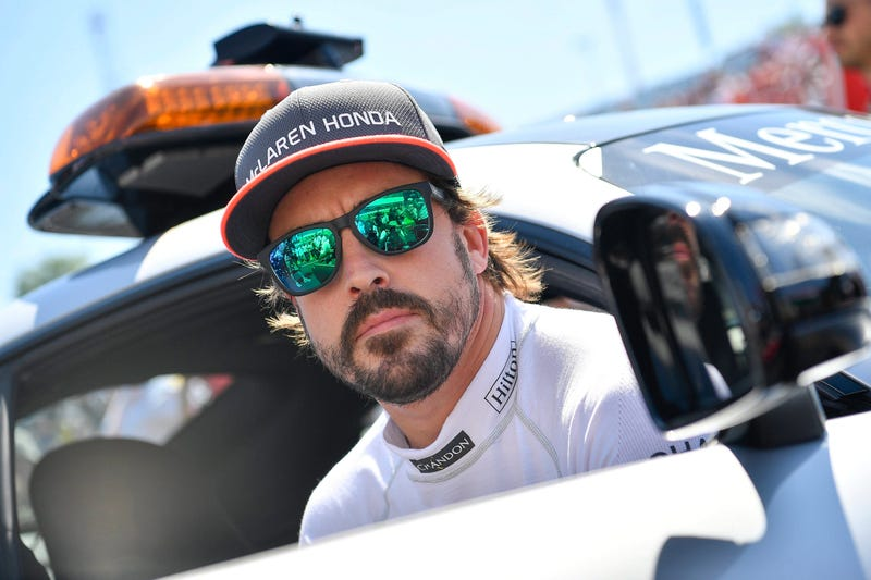 Alonso in 2017, looking cool.