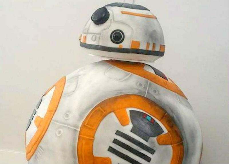 Illustration for article titled This Lifesize BB-8 Cake Is Almost Too Beautiful To Eat