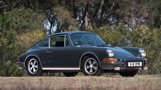 Illustration for article titled Steve McQueen's Le Mans Porsche 911T goes up for auction