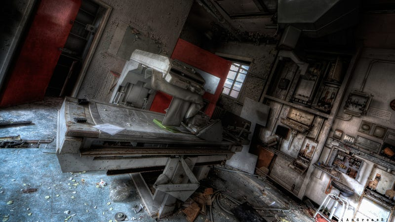 Illustration for article titled This Abandoned Hospital Isn't From A Zombie Movie