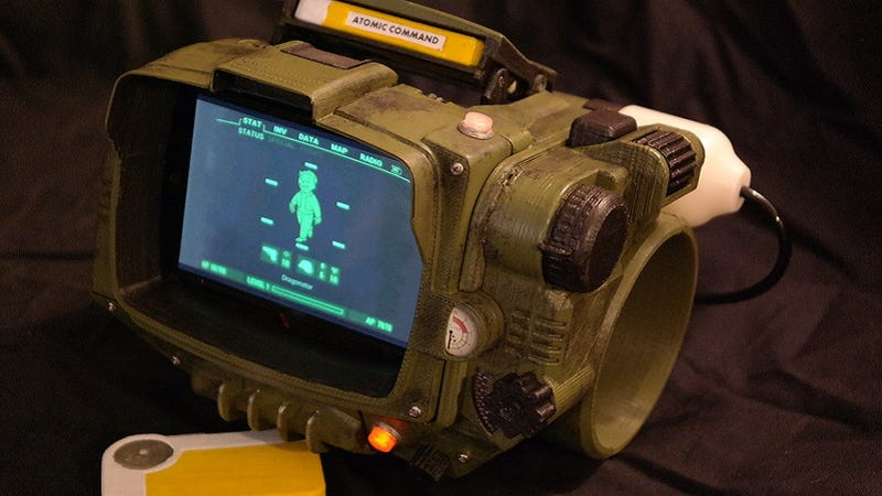 Illustration for article titled Make Your Own FalloutPip Boy With These Specs and a 3D Printer