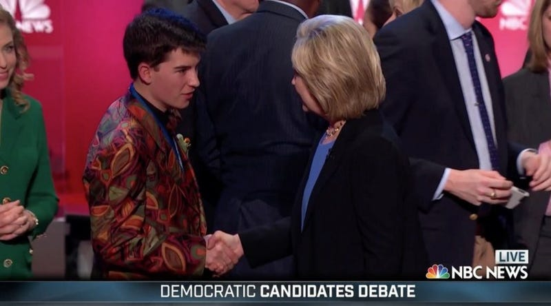 Illustration for article titled A 17 Year Old Kid Snuck into the Democratic Debate