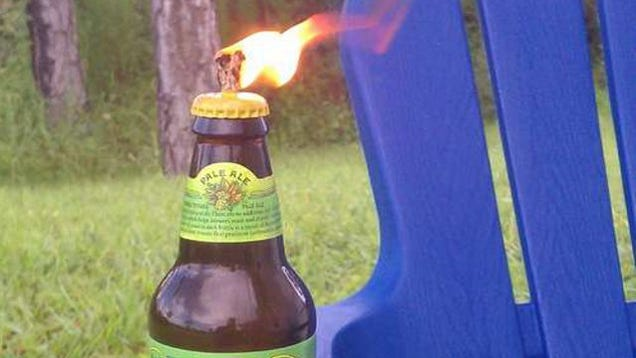 Make improvised tiki torches with beer bottles for Diy beer bottle tiki torches