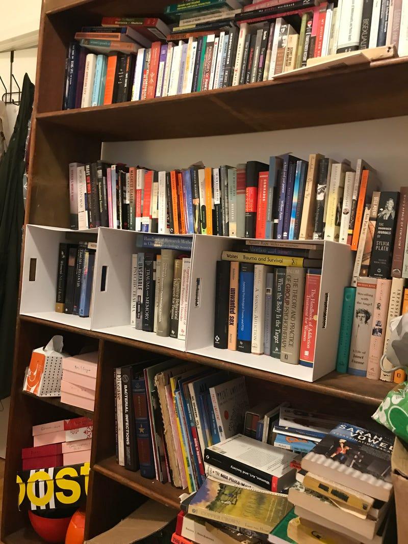 Ideen Für Ein Bücherregal Problem (und Andere Kleine Schlafzimmer  Speicherberatung Ist Willkommen).