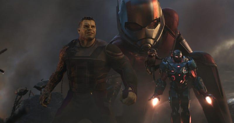 Illustration for article titled Thanos casi decapita al Capitán América y más revelaciones de los guionistas de Avengers: Endgame
