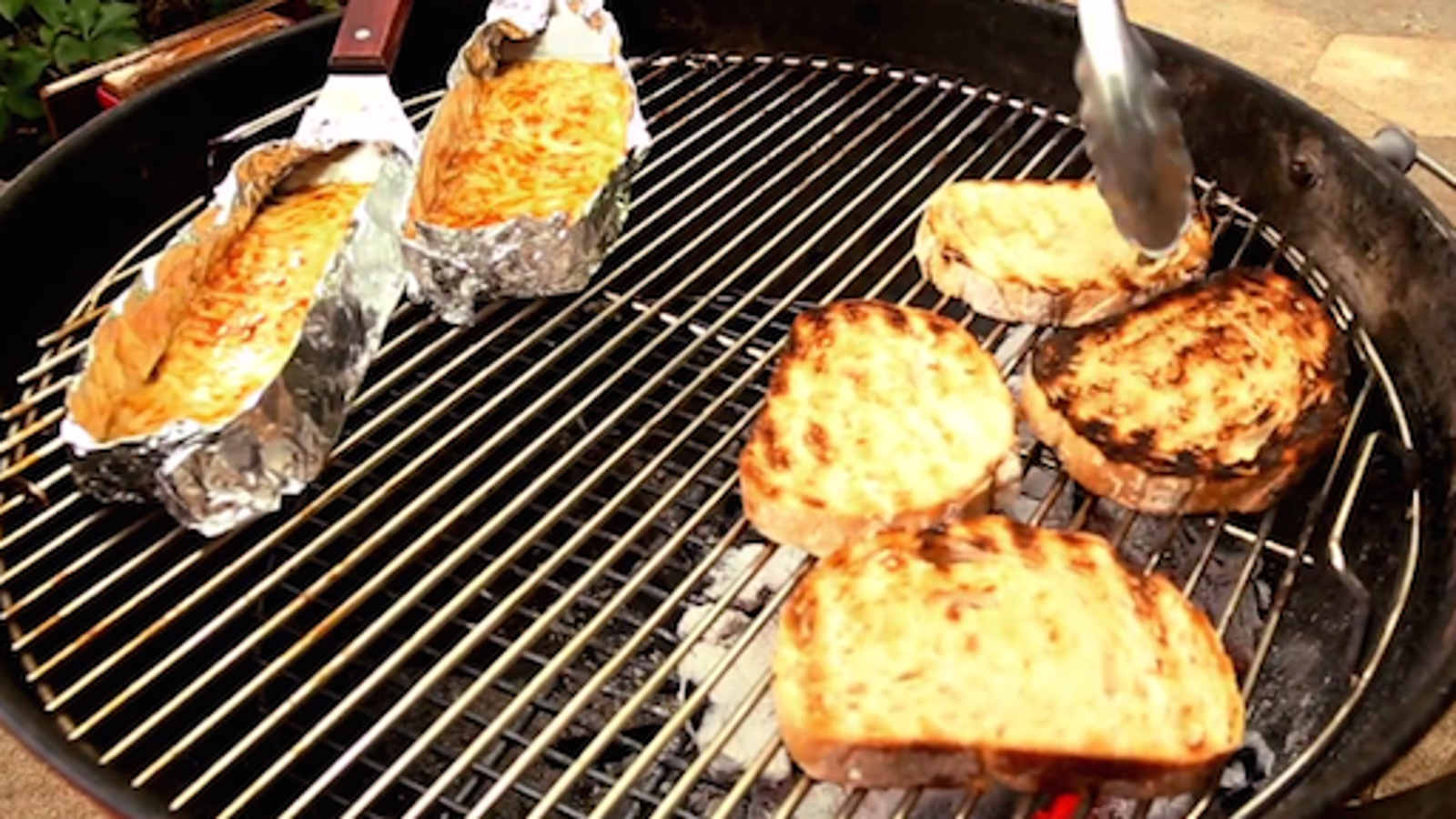 How to make a truly grilled grilled cheese sandwich
