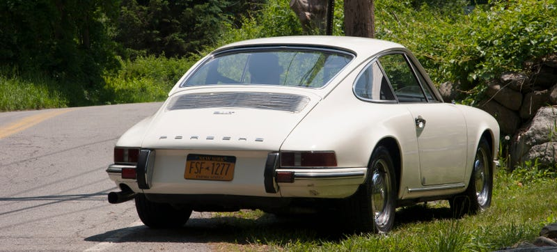 Illustration for article titled I Drove A Vintage Porsche And I Get It Now