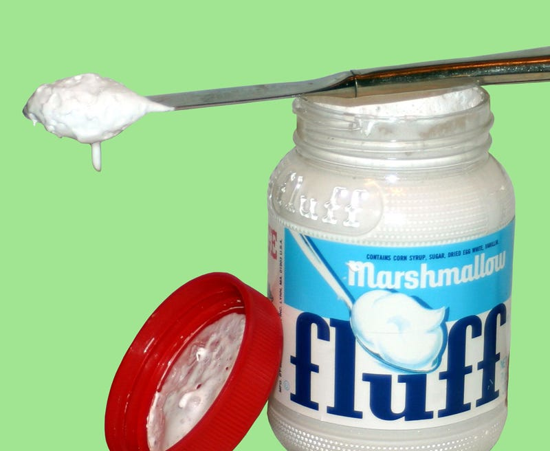 Illustration for article titled Holiday Tragedy: Marshmallow Fluff Divides Families