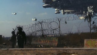 Illustration for article titled New Images From District 9 Give Us Little Hope For Improved Alien Human Relations