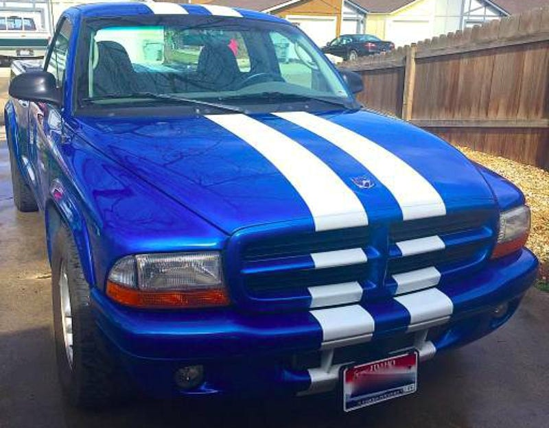 Illustration for article titled For $35,000, This 2001 Dodge Dakota Sport Could Be A Perfect Ten