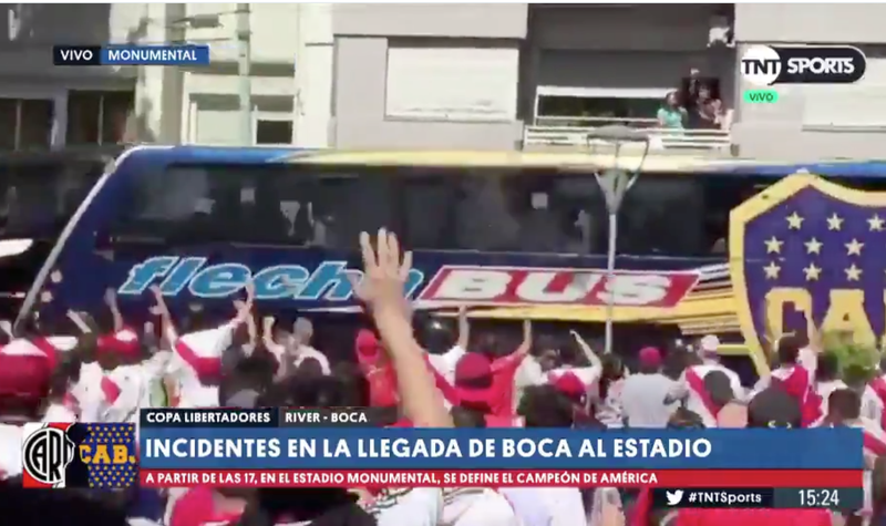 Illustration for article titled Copa Libertadores Final Delayed An Hour After River Plate Fans Attack Boca Juniors Bus [Update]