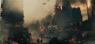 """Illustration for article titled New Battle LA trailer lives up to the """"Black Hawk Down with aliens"""" hype"""