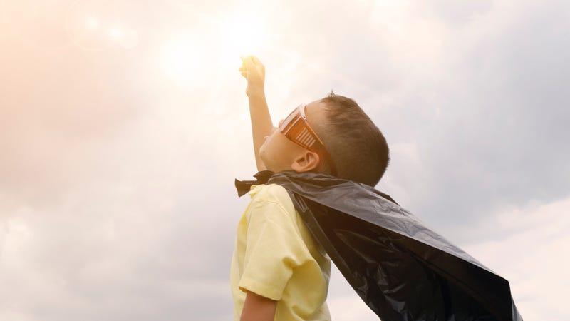 Illustration for article titled Qué pueden hacer tus hijos para ayudar en casa, según su edad