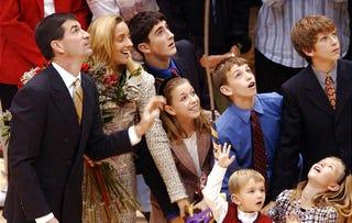 Illustration for article titled Utah Jazz's Family Ticket Pack Packs More Family