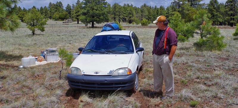 Illustration for article titled This Guy's Been Living In A Three-Cylinder Geo Metro For 150,000 Miles