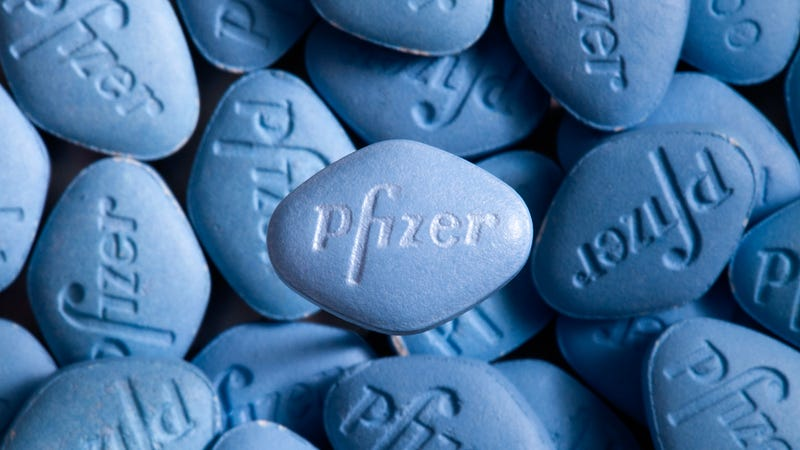 Illustration for article titled Pfizer comienza a vender Viagra online